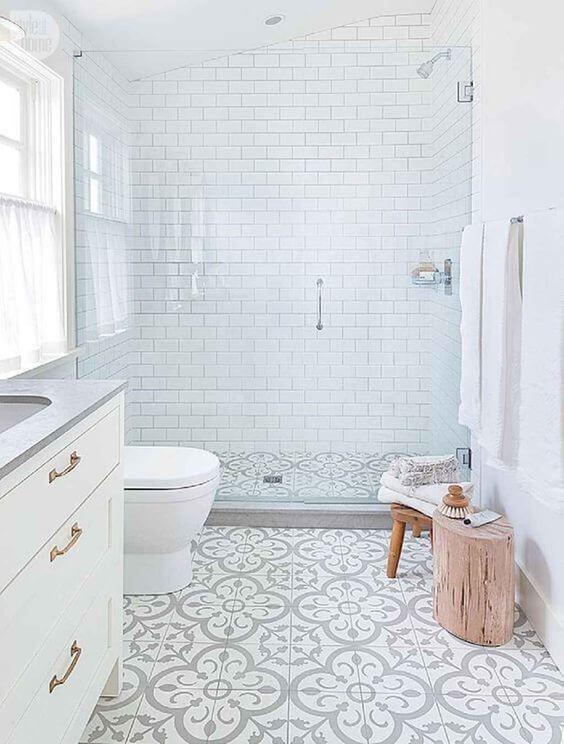 Cerâmica para banheiro neutro