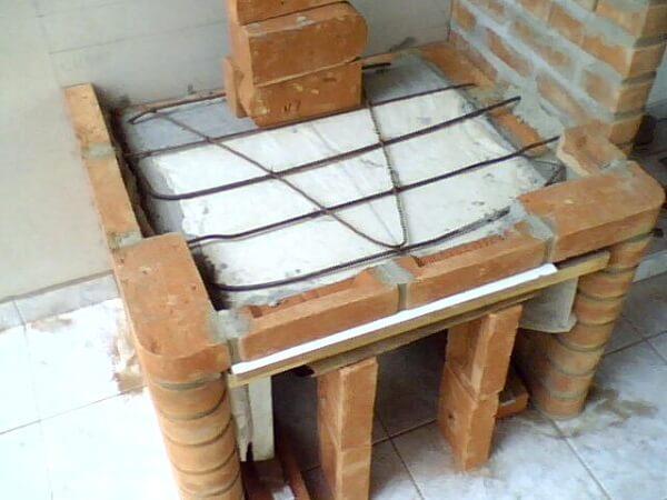 como fazer churrasqueira de tijolinhos