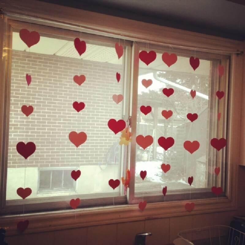como fazer cortina de coração de EVA
