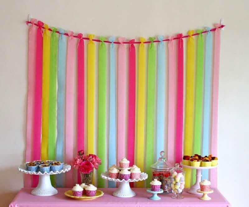 como fazer cortina de tnt para festa infantil