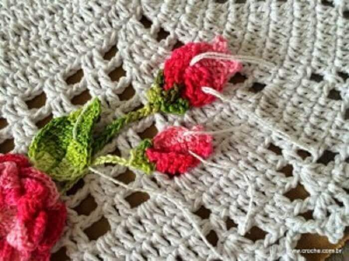como fazer folhas de crochê para aplicação