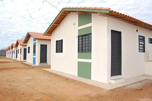 construção de casas em condominios populares