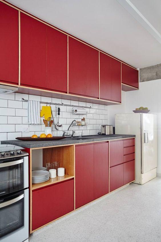 Cores para cozinha vermelha com revestimento branco