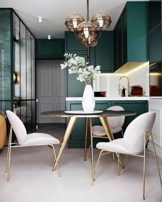 Cozinha verde e branca