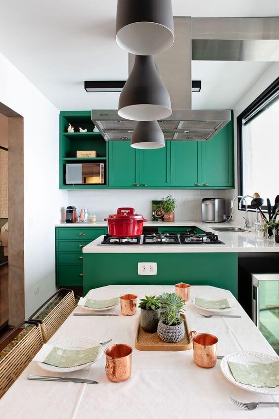 Cores para cozinha verde com detalhes vermelho