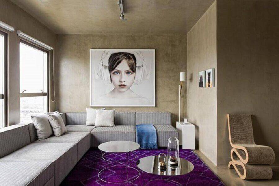 decoração de parede de sala de estar com quadro grande