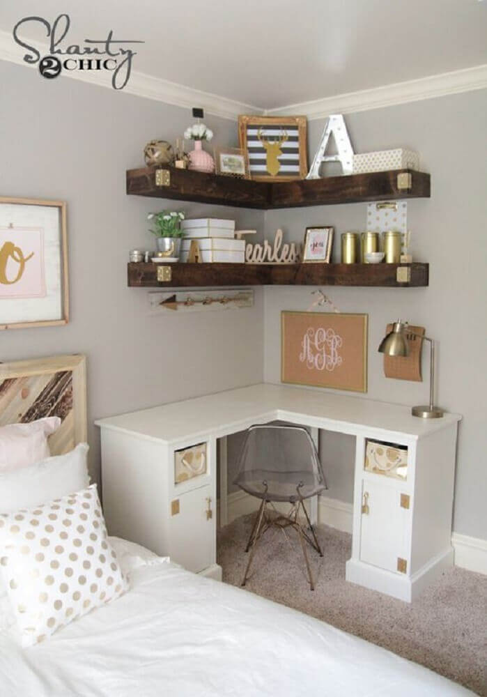 decoração de quarto com escrivaninha de canto pequena