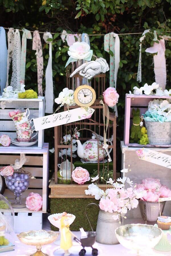 decoração festa de casamento com tema de Alice