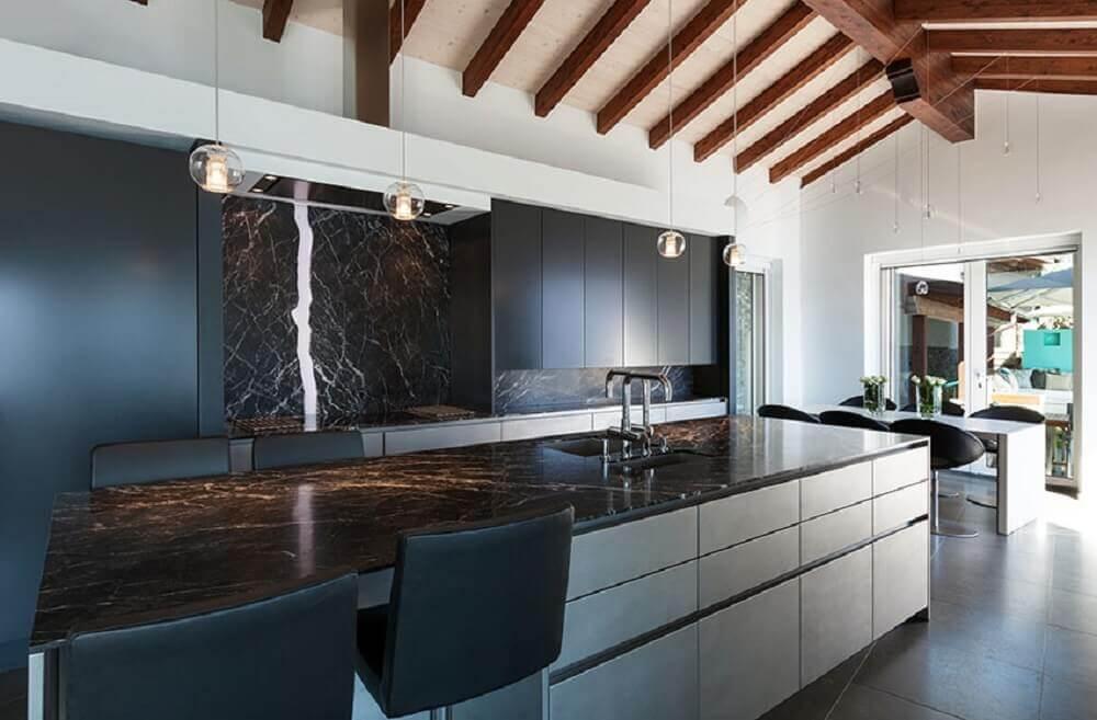 decoração moderna e sofisticada para cozinha com granito preto via láctea