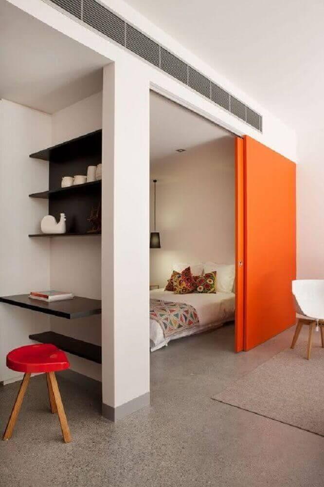 decoração simples com escrivaninha para quarto pequeno