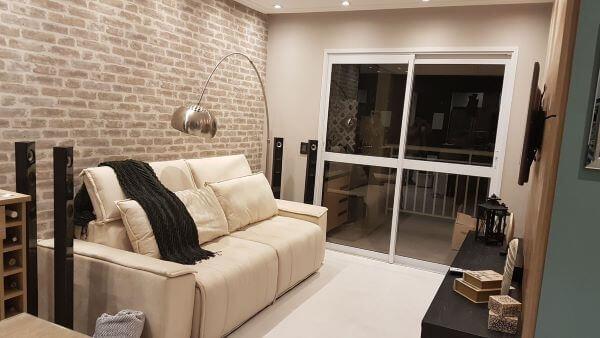 Sala de estar com sofá retrátilSala de estar com sofá retrátil