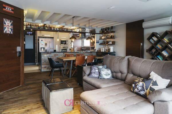 sofá retrátil cinza