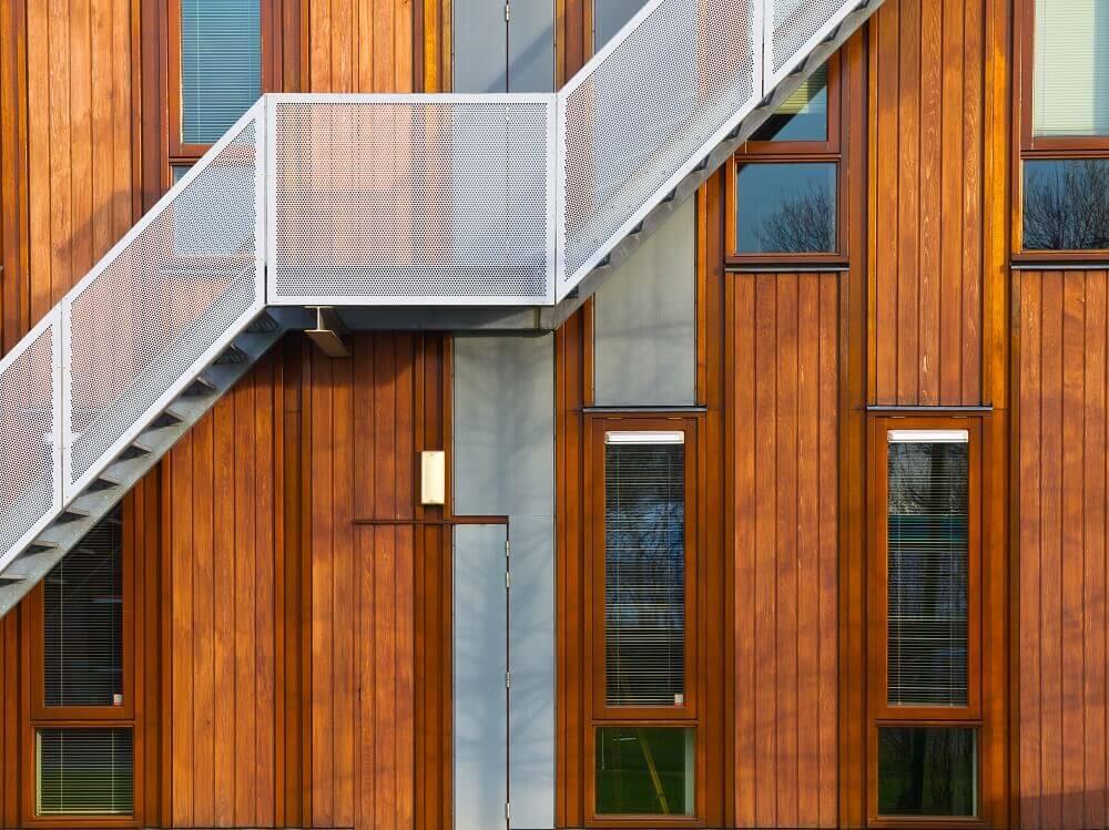 fachada de madeira de projeto pré-moldado