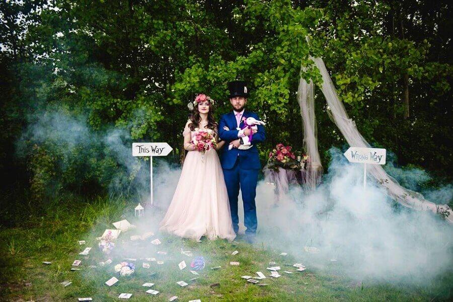 festa de casamento com tema de Alice