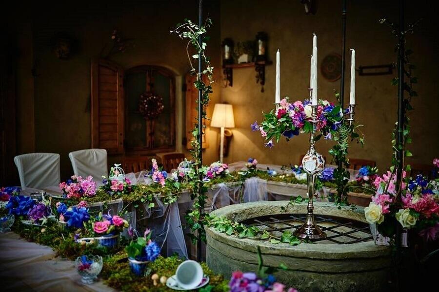 festa de casamento decorada com tema de Alice