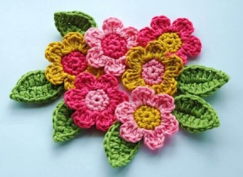 flores e folhas de crochê