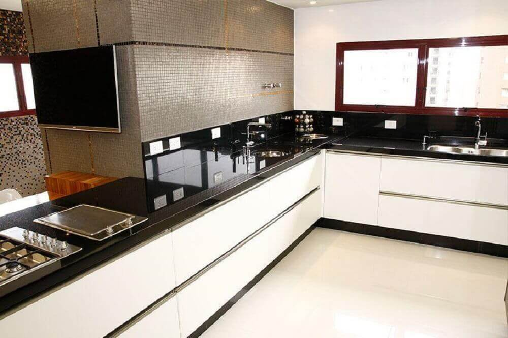 granito preto absoluto para cozinha planejada