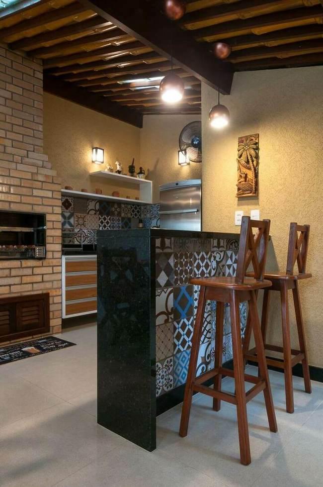 granito preto - balcão revestido com azulejos hidráulico