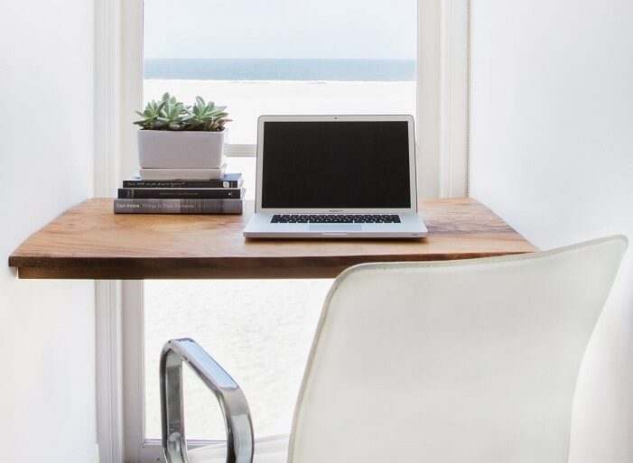 home office pequeno e minimalista