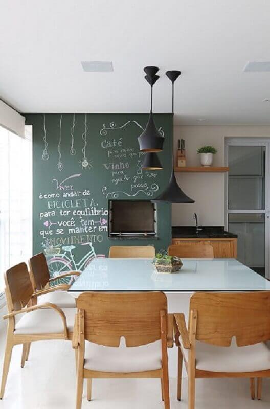 ideias para decorar paredes de varanda com tinta lousa e churrasqueira