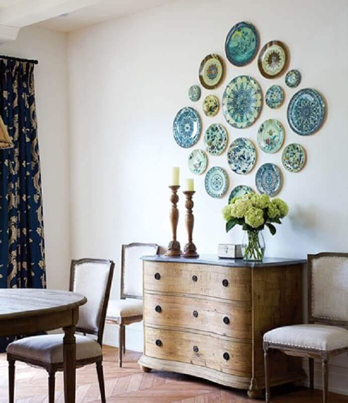 ideias para parede com pratos decorativos