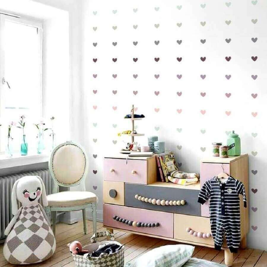 ideias para parede de quarto com adesivos de coração