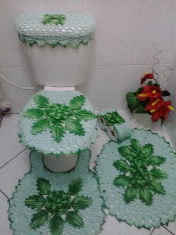 jogo de banheiro com folhas de crochê para tapetes