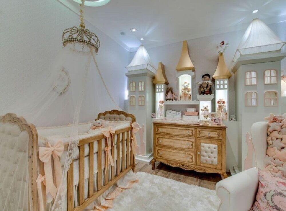 modelo clássico para cômoda de bebê para quarto de menina