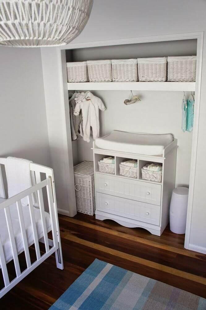 modelo de cômoda com trocador para quarto branco