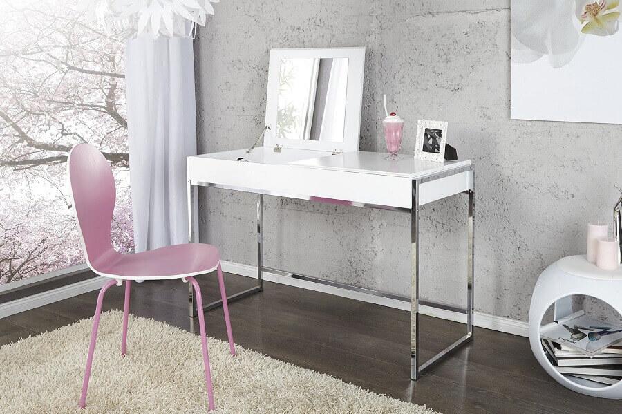 modelo de penteadeira simples com espelho e base de inox