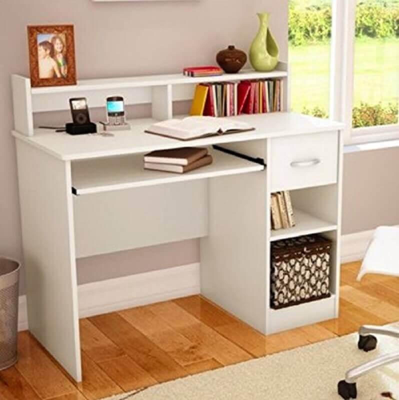 modelo simples de escrivaninha pequena