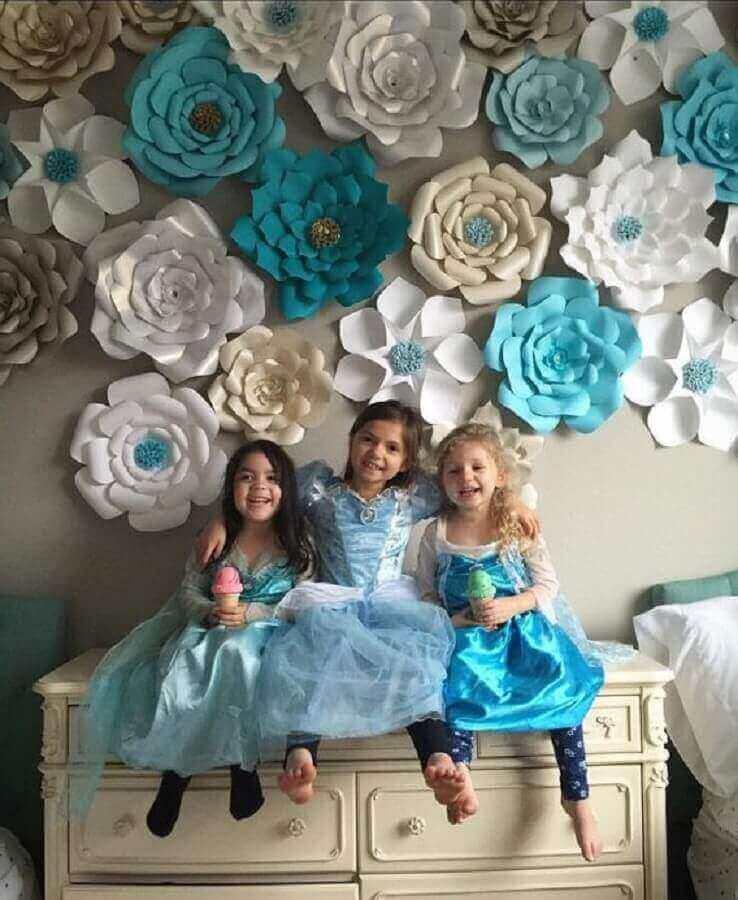 modelos de flores de papel para paredes decoradas