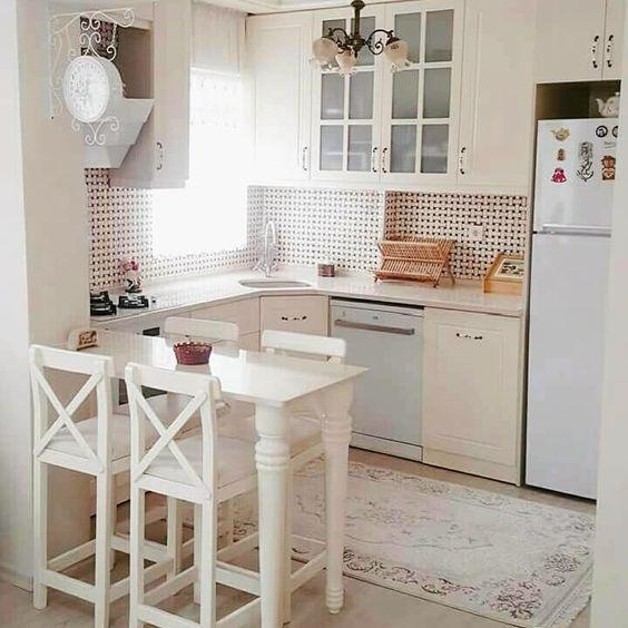 Móveis de cozinha modulada em tons pasteis
