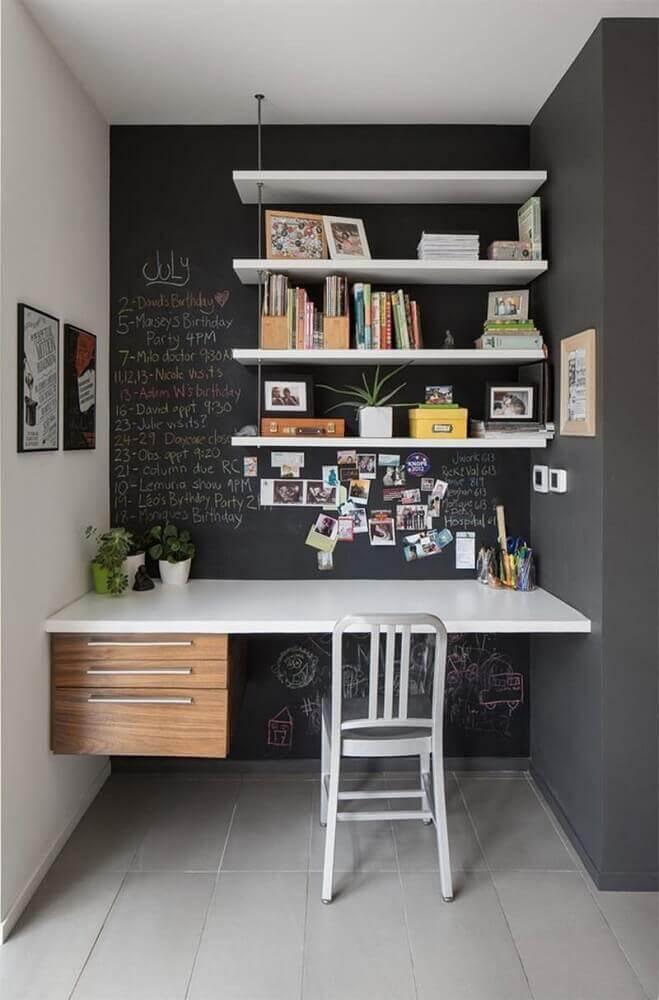 parede com tinta lousa para home office pequeno