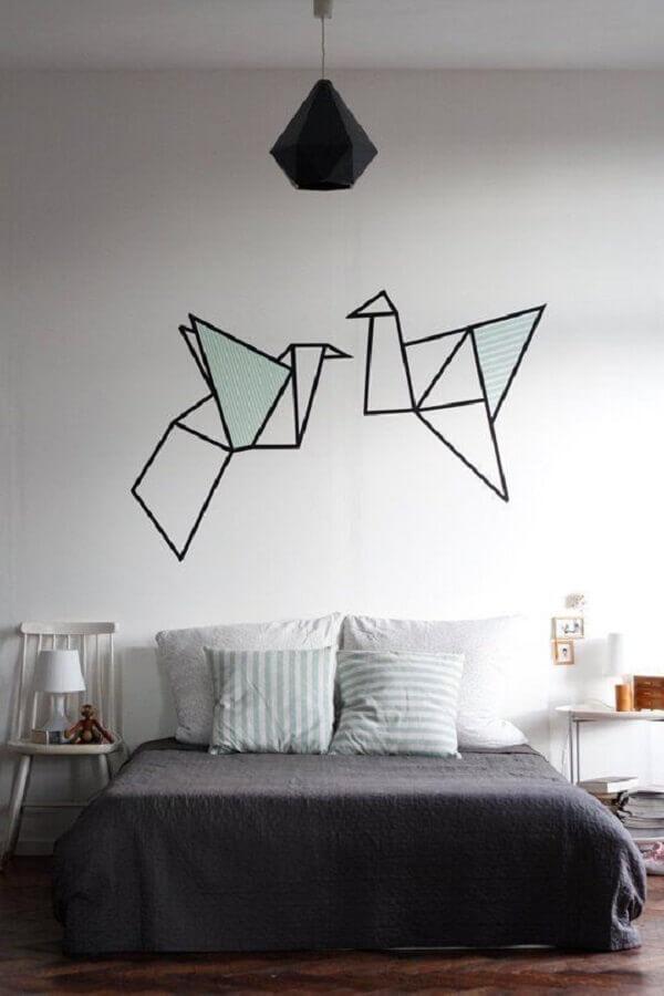paredes decoradas com fita isolante