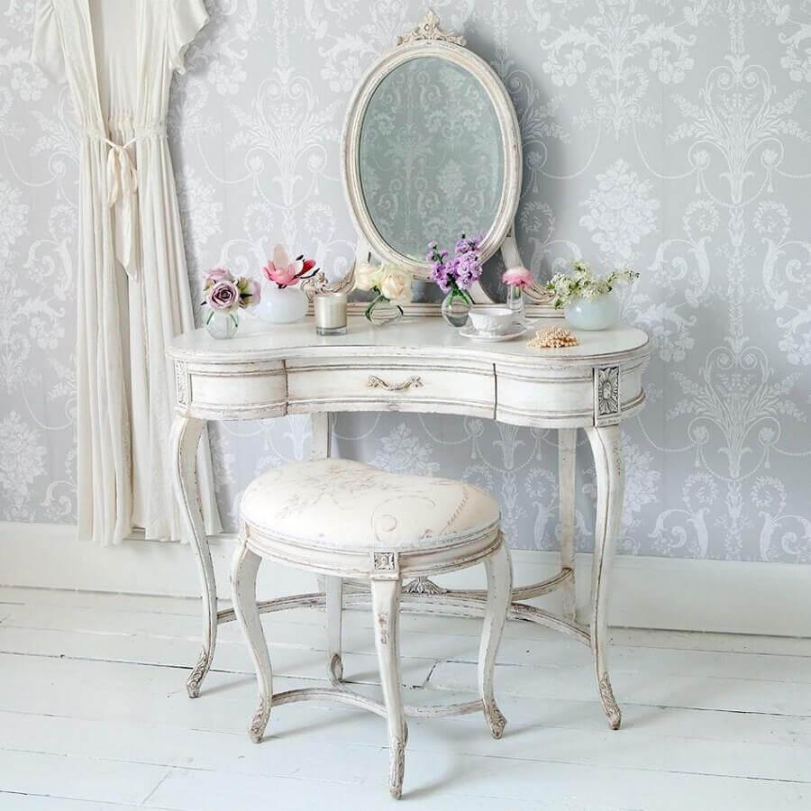 penteadeira vintage com espelho redondo