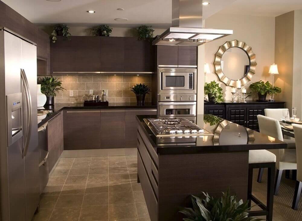 sofisticada cozinha com granito preto absoluto