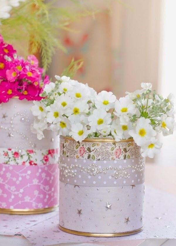 Complemente a decoração da sua casa com latas decoradas