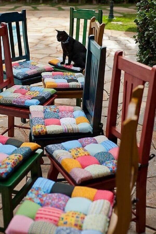 Modelos de almofadas decorativas para cadeira