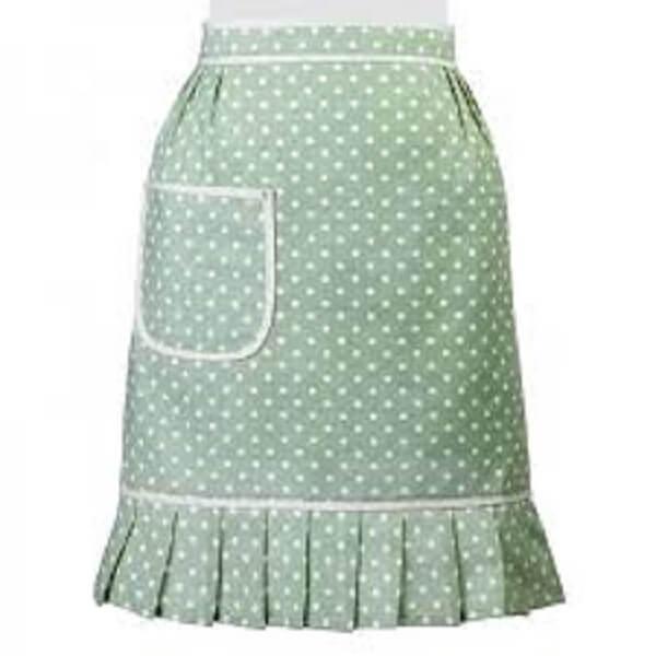 Artesanato em tecido avental verde com bolinhas brancas