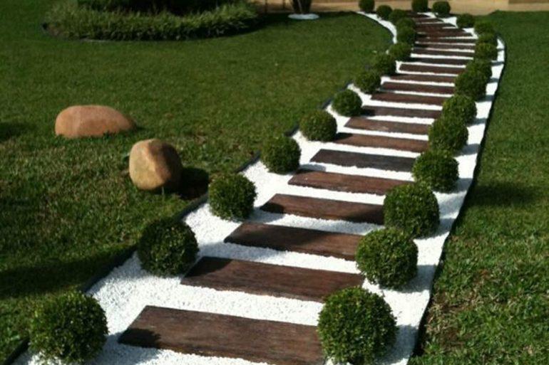 As pedras para jardim deixam a entrada de casa ainda mais elegante