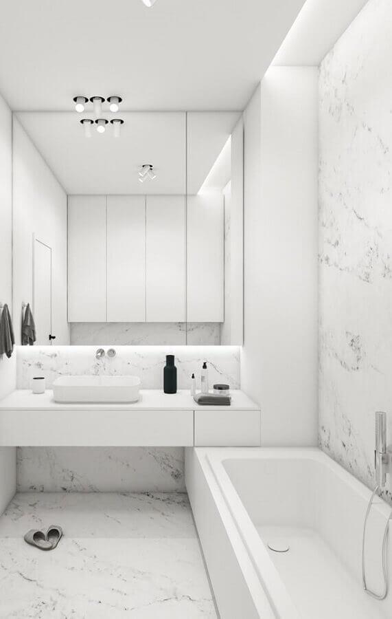 Banheiro decorado com mármore branco - Foto Pinterets