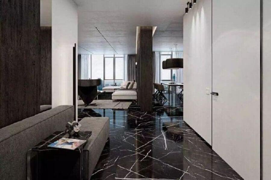 Casa com piso de mármore preto - Foto Engenharia do Mármore