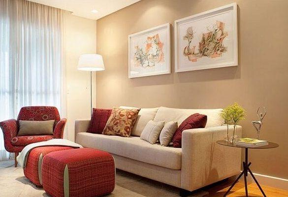 Cores para sala com parede em destaque em bege