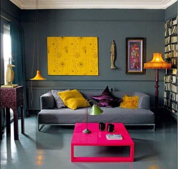 Cores para sala pequena combinando com o piso