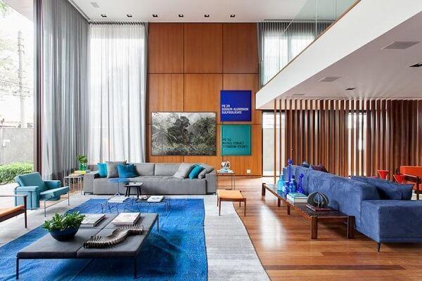 decore a sala de estar em tons de azul