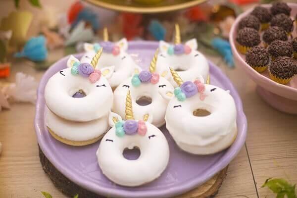 Festa de Unicórnio donuts