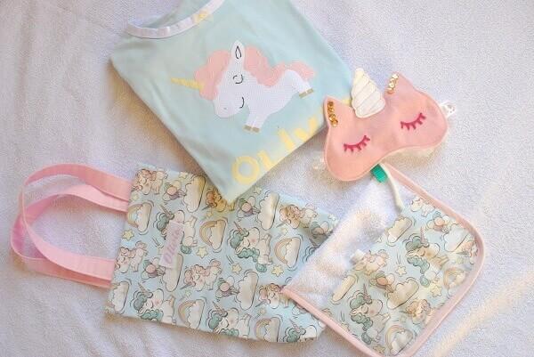 Festa de Unicórnio kit com pijama