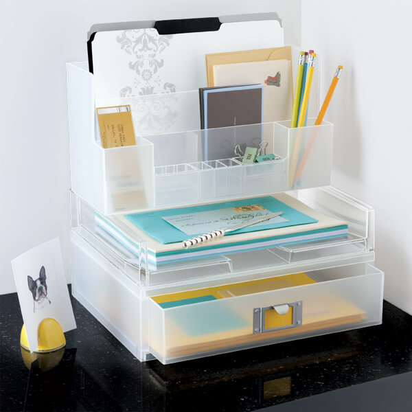 Gaveteiro de plástico para colocar sobre a mesa