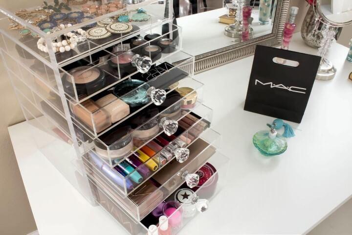 Gaveteiro para organização de maquiagem